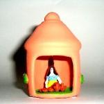 capanna-donna-terracotta